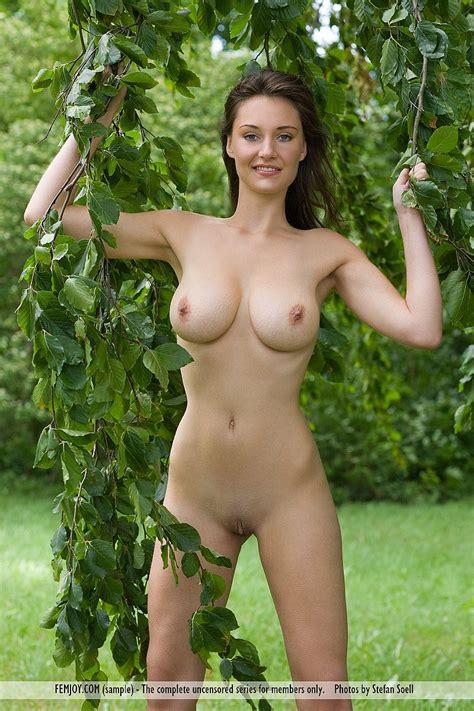 free nude hot woman pics jpg 800x1200